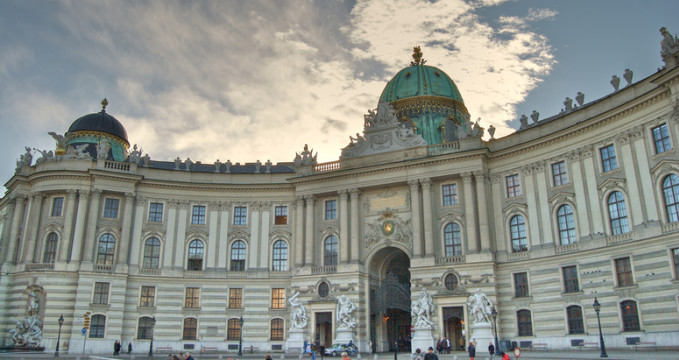 Hofburg - https://www.flickr.com/photos/_travisbickle/2830440503/