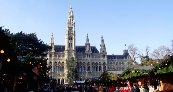 Vídeňská radnice - https://www.flickr.com/photos/riczribeiro/6256273224