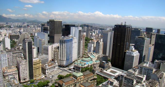 Centrum v Rio de Janeiro - https://www.flickr.com/photos/soldon/4098904555/