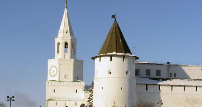 Kreml - https://www.flickr.com/photos/yeliseev/405046004/