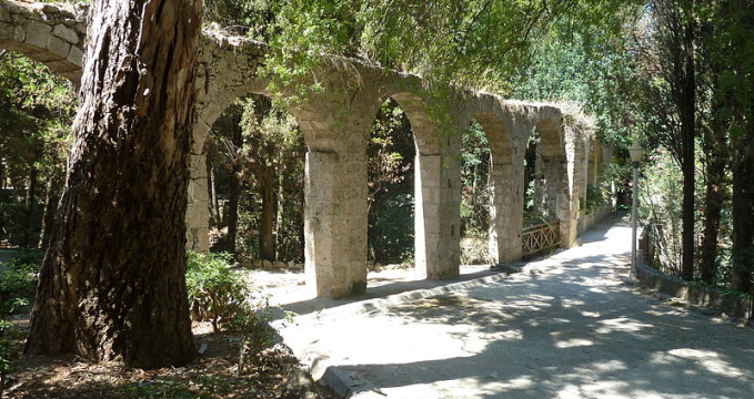 Park Rodini - https://commons.wikimedia.org/wiki/File:RodiniParkRodos_(3).JPG
