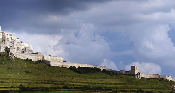 Spišský hrad - https://commons.wikimedia.org/wiki/File:Spissky_Hrad-LV-2.jpg