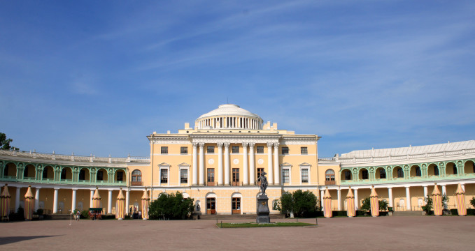 Pavlovsk - https://www.flickr.com/photos/olibac/15054627974