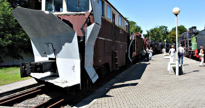 Muzeum železniční technologie - https://commons.wikimedia.org/wiki/File:Locomotive_in_the_Brest_Railway_Museum.jpg