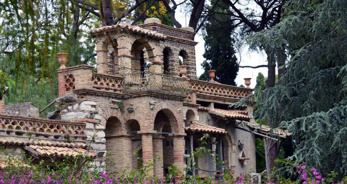 Giardini della Villa Comunale  - https://www.flickr.com/photos/hbarrison/15499267015/