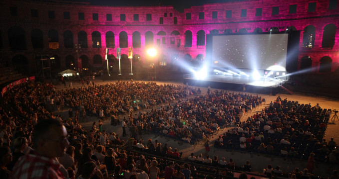 Pulský filmový festival - http://www.pulafilmfestival.hr/en/21st-july-screening-of-you-carry-me