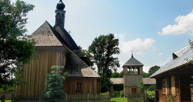 Muzeum venkova - https://commons.wikimedia.org/wiki/File:Muzeum_Wsi_Lubelskiej_(Skansen)_-_11.jpg?uselang=cs