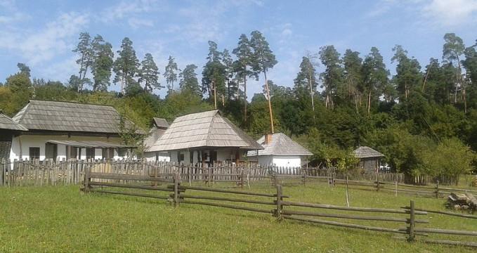 muzeum Astra, ibiu - https://commons.wikimedia.org/wiki/File:Muzeul_Civiliza%C5%A3iei_Populare_Tradi%C5%A3ionale_ASTRA_%2859%29.jpg