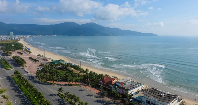Pláž My Khe v Da Nang - https://www.flickr.com/photos/40129895@N03/47409113642/