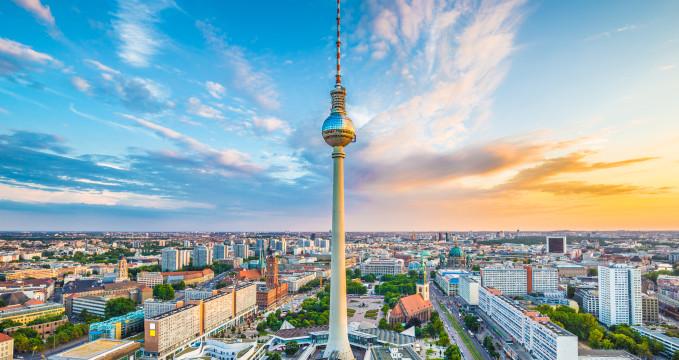 Večerní obloha nad Berlínem -