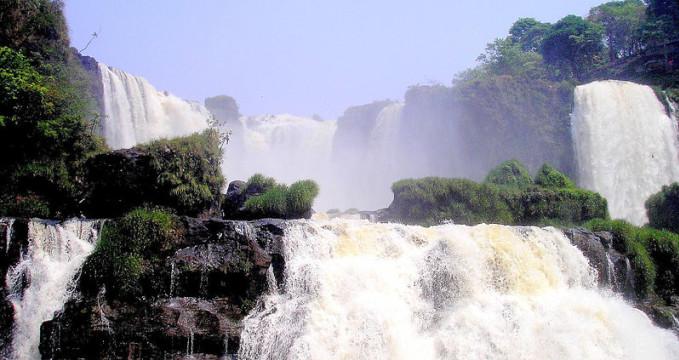 Salto del Monday, Paraguay - https://commons.wikimedia.org/wiki/File:Paraguay_Saltos_del_Monday.jpg