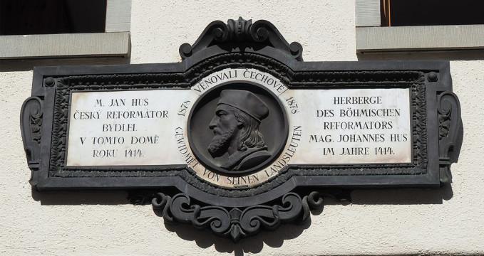 Jan Hus - https://commons.wikimedia.org/wiki/File:Widmung_am_Hus_Haus_Konstanz.jpg