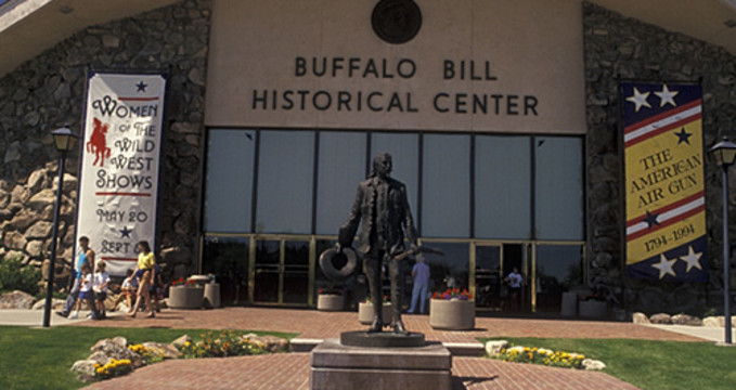 Buffalo Bill Center of the West - https://www.flickr.com/photos/sangre-la/2452675152/in/photolist-4JJASC-4NWvQ2-QXFtr2-R9cztB-PRNhjW-PRNgQ9-R9cCBF-PUxUwr-R9cFSP-R9cE4D-R9czTK-PRNia3-QyV58h-PRNjCy-QXB15M-R9czDX-R9cDoF-PRNhKf-QXAZtX-PRNjtf-R9cCkt-PUxYXa-PRNhXE-R5KMZQ-R9cALg-QXFtEZ-PRNgnL-R9cAic-R9cFd2-QXB1ix-R9cD2i-R9cBua-PUxY8p-QyZHBY-R9cESH-R9cB5c-R9cBW2-R9cDFV-y6nLqZ-z44EnV-y3GcLv-yYyJCw-y3Geng-y6nNo6-y3Gmw6-y3GdEp-yYyQx7-yXgtiN-yGXWdJ-yXgv1f