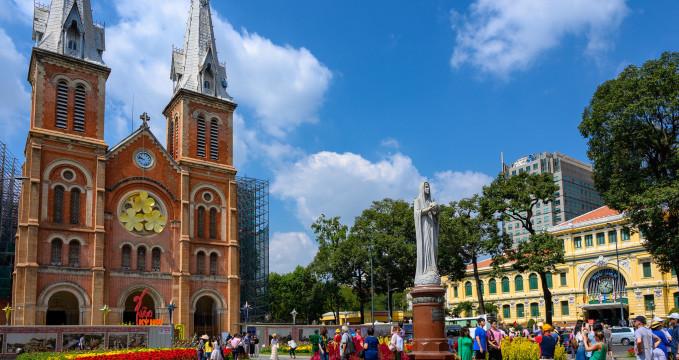 Katedrála Notre-Dame v Saigonu - https://www.flickr.com/photos/xiquinho/49067546513/