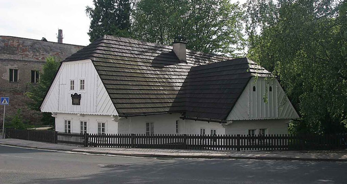 Rodný domek A. Jiráska - https://commons.wikimedia.org/wiki/File:JIRASEK_HOUSE.jpg