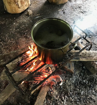 Vaření Ayahusky společně s čakrunou obsahující DMT