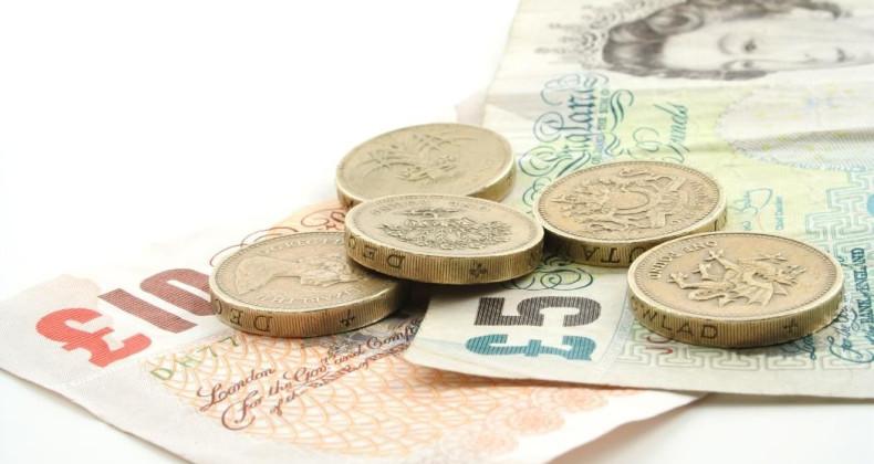 Bankovky a mince libry šterlinků