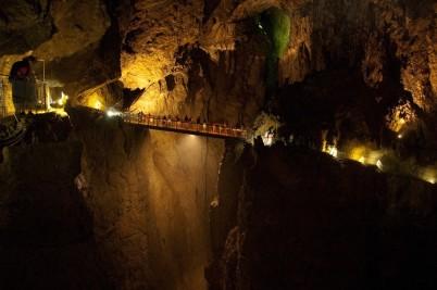 Škocjanské jeskyně - https://www.flickr.com/photos/sitomon/6862219905/
