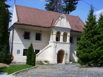 Rumunské muzeum školy v Brašově - https://commons.wikimedia.org/wiki/File:First_Romanian_school_Brasov.JPG?uselang=cs
