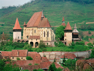 Biertan - https://commons.wikimedia.org/wiki/File:Kirchenburg_Birth%C3%A4lm.jpg?uselang=cs