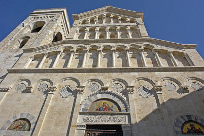 Cattedrale di Cagliari - https://commons.wikimedia.org/wiki/File:Cagliari_kathedrale_fassade01.jpg