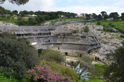 Anfiteatro Romano di Cagliari - https://www.flickr.com/photos/carolemage/16558175351/in/photolist-qhjGbS-qhwVfc-Mt41E-rebYDV
