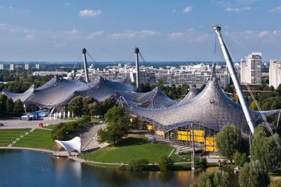 Olympijský park v Mnichově - https://www.flickr.com/photos/paussus/3895967480/in/photostream/