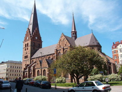 Kostel sv. Petra - http://commons.wikimedia.org/wiki/File:Malm%C3%B6_Sankt_Petri_kyrka_1.jpg