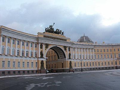Palácové náměstí - https://www.flickr.com/photos/larrywkoester/16321999562