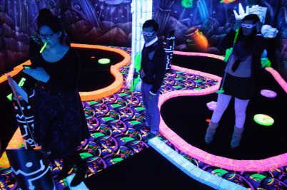 Glowgolf - https://www.flickr.com/photos/erwin_v/8622886946/