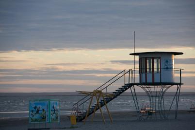 Pláž v Pärnu - https://www.flickr.com/photos/uninen/2603694452/