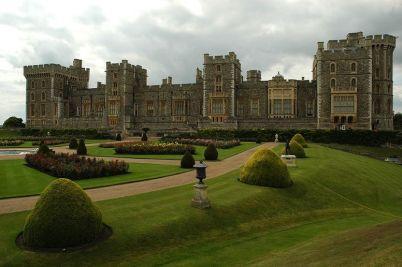 Windsor Castle - http://commons.wikimedia.org/wiki/File:WindsorCastleEastSide.jpg