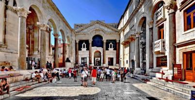 Diokleciánův palác - https://www.flickr.com/photos/46566758@N03/8357882244/