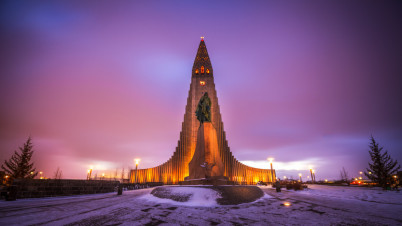 Kostel Hallgrímskirkja - https://www.flickr.com/photos/anieto2k/12048532816