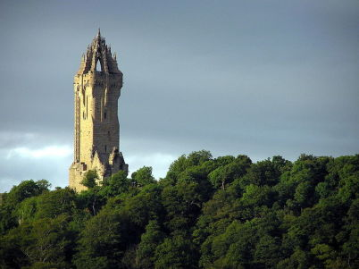 Wallacův monument - https://en.wikipedia.org/wiki/File:Wfm_wallace_monument.jpg