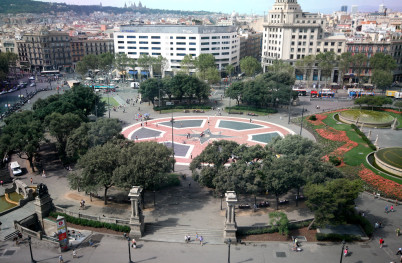 Plaça Catalunya  - https://www.flickr.com/photos/fransall/1025358095