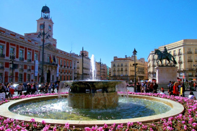Puerta del Sol - https://www.flickr.com/photos/druidabruxux/6984439373