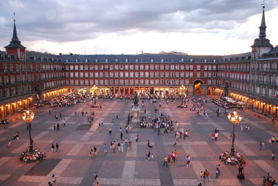 Plaza Mayor v Madridu - http://commons.wikimedia.org/wiki/File:Plaza_Mayor_de_Madrid_06.jpg
