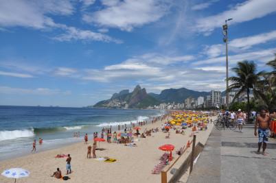 Pláž Ipanema, Rio de Janeiro, Brazil  - https://www.flickr.com/photos/over_kind_man/3179806357/