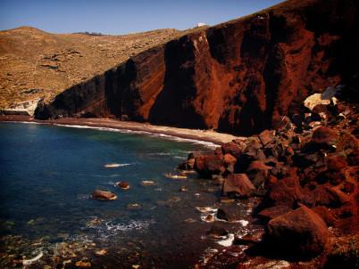 Červená pláž - https://www.flickr.com/photos/kevinpoh/7157659993
