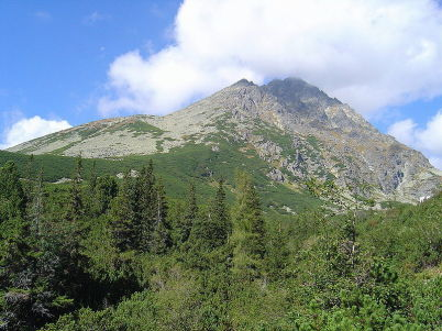 Gerlachovský štít - https://commons.wikimedia.org/wiki/File:Gerlachovsky_stit_from_Velicka_dolina.jpg