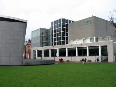 Van Gogh Museum - https://www.flickr.com/photos/pdbreen/3796319548/