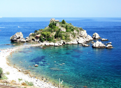 Isola Bella - https://www.flickr.com/photos/gnuckx/3811740720/
