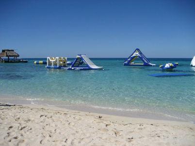 Pláž Paradise - https://commons.wikimedia.org/wiki/File:Paradise_Beach_IMG_4124.JPG