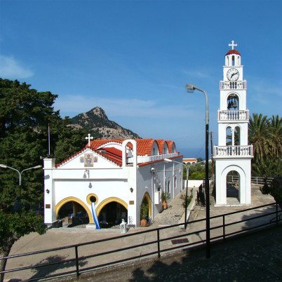 Kostel sv. Tsambiky - https://commons.wikimedia.org/wiki/File:Rhodes_Tsambika4_tango7174.jpg?uselang=cs