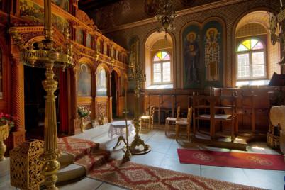 klášter Ipsilou - https://www.flickr.com/photos/gerwinfilius/3954398390/in/photolist-72rjSA-gnTTRy-opPF75-dT647y-dpoFen