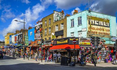 Camden High Street - https://commons.wikimedia.org/wiki/File:Camden_Town_Streetcorner_--_2015_--_London,_UK.jpg