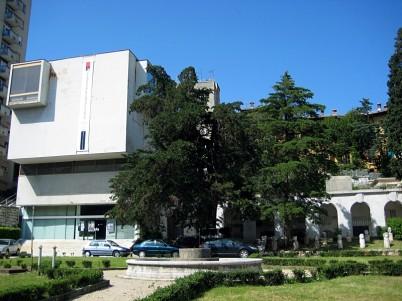 Městské muzeum v Rijece - https://commons.wikimedia.org/wiki/File:Muzej_Grada_Rijeke_270508.jpg?uselang=cs