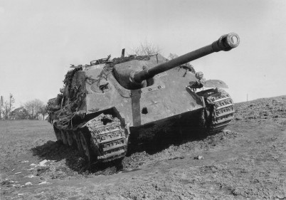 Tank muzeum Dordrecht - https://commons.wikimedia.org/wiki/File:Jadgpanther_of_Panzergruppe_Hudel_March_1945.jpg