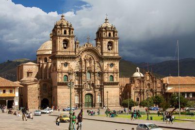 Iglesia de la Compañia de Jesús  - https://commons.wikimedia.org/wiki/File:Peru_-_Cusco_019_-_Iglesia_de_la_Compa%C3%B1ia_de_Jes%C3%BAs_(7084770355).jpg